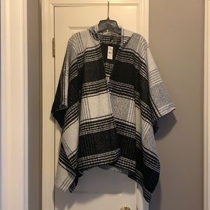 NWT HOODED EXPRESS CAPE